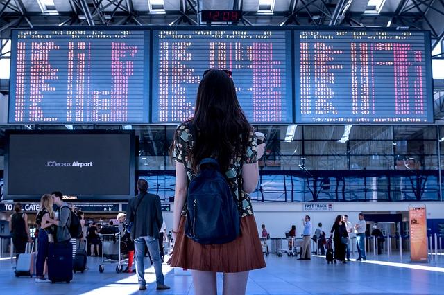 best noise cancelling headphones & long haul flight tips